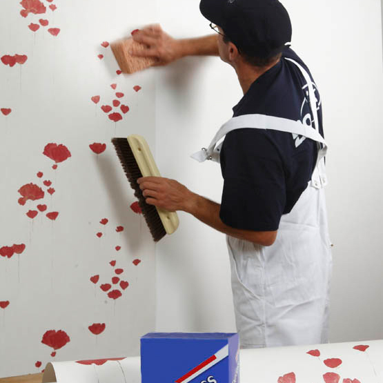 Poser du papier peint les tapes de pose conseils d co lut ce papier peint Pose papier peint